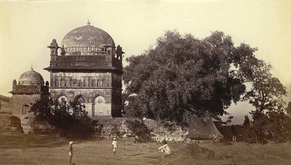 Malik Ambar's tomb - Khuldabad 1860q