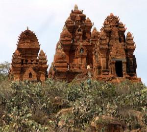 ancient hindu temples vietnam