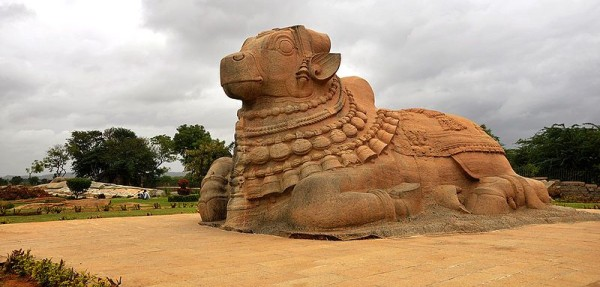 Stone-carved-Nandi-e1420981081299-600x287