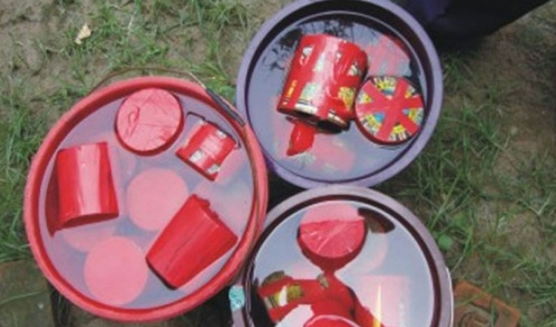 30 bombs recovered from a pond in Bihar