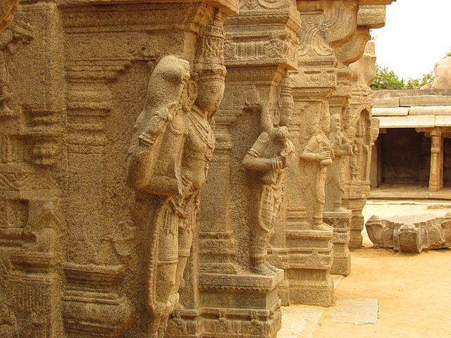 kalyana-mantapa-at-Virabhadra-Temple-Lepakshi