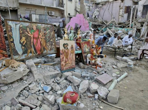 pakistan temple hindu demolished
