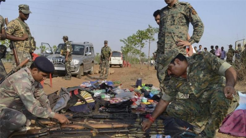 Chhattisgarh: 2 suspected Maoists shot dead