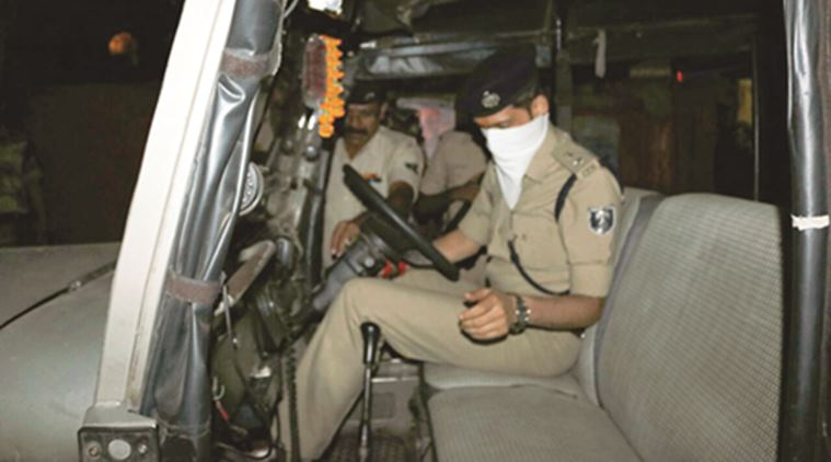 Bihar Police Driver sleeping on back seat, Patna SSP 'steals' police jeep