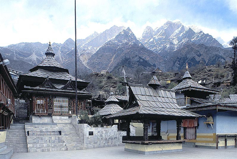 Hindu temple on the back of the mountains of the hights of 4,000m, Sangla