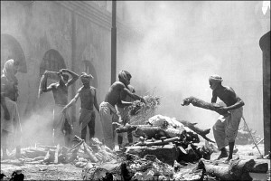 Bloody Partition of India BBC Picture Men, women and children who died in the rioting were cremated on a mass scale.