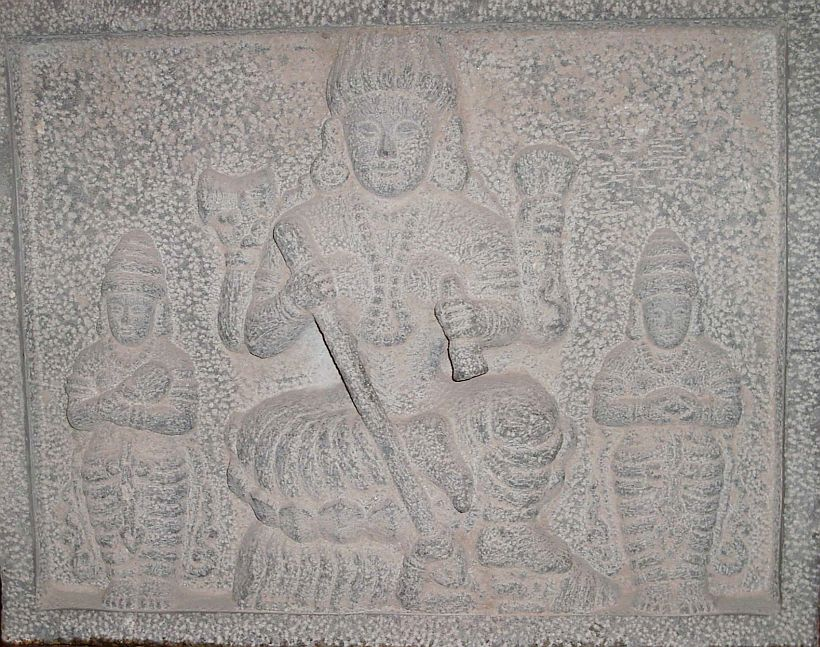 Carving_of_Siva_from_a_Hindu_Temple_at_Quanzhou_China