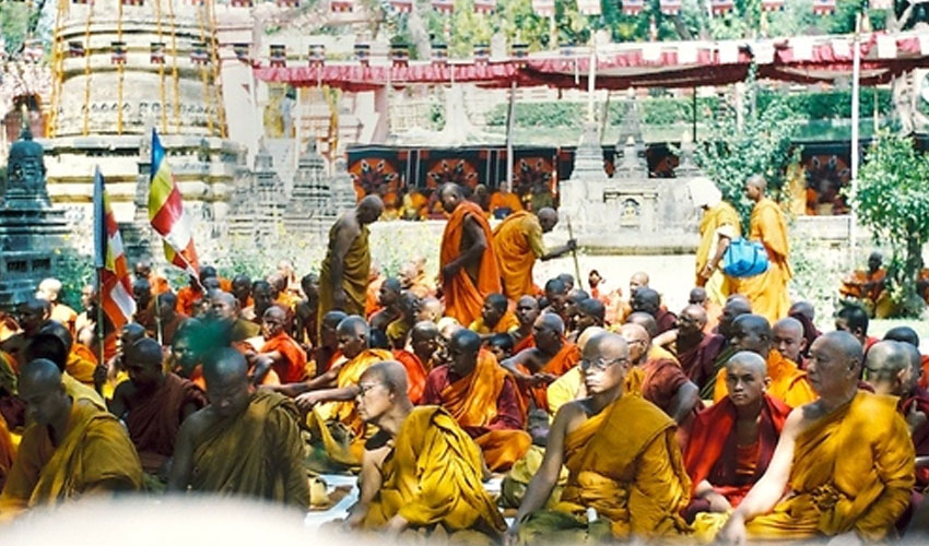 Nearly 500 Hindus convert to Buddhism in Bihar