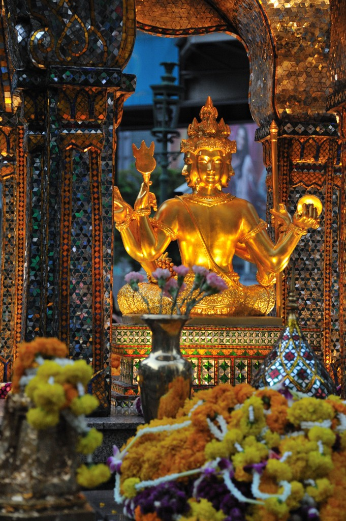 Erawan_Shrine_in_Bangkok