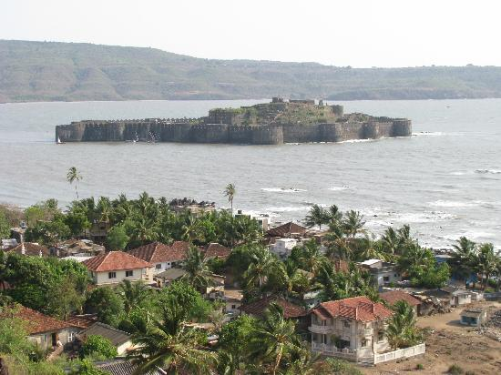 janjira-fort-in-midst