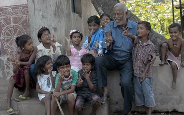 Meet Prakash, a tea seller who runs a school for slum children