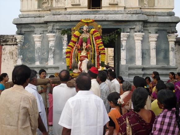 Mannarpolur-Azhagu-Mallari-Krishnaswami-Temple