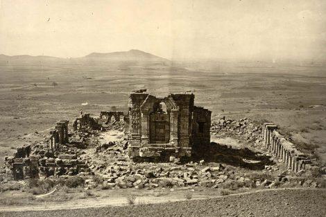 Sun_temple_martand_indogreek